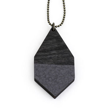 Diamante necklace big | black wood/hammered black