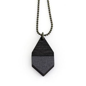 Diamante necklace small | black wood/hammered black