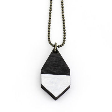 Diamante necklace small | black wood/hammered white
