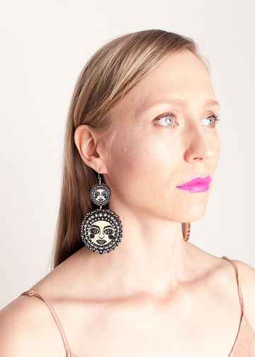 Sunny dangle earrings | black/wood