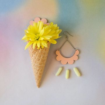 Kaarella earrings | peach