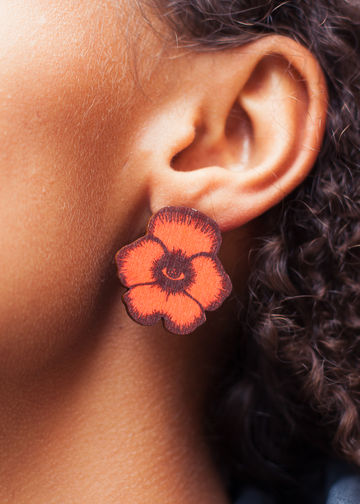 Flower Totem stud earrings | red wine/rust